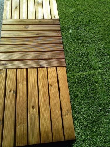 Queridas baldosas garden house noticias garden for Baldosas de madera para jardin